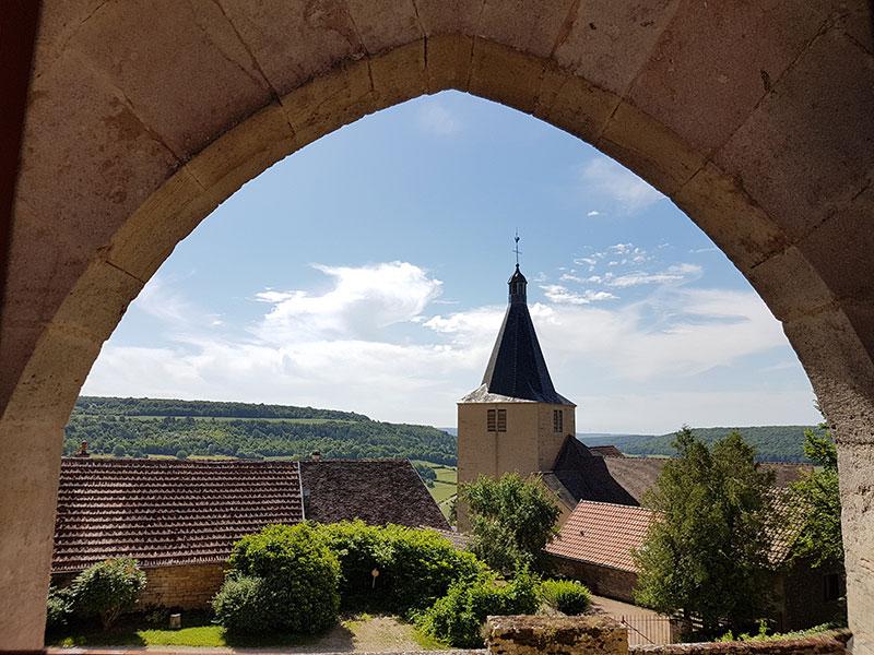 Бургундия. Шатонёф. Крошечная деревня с огромным старинным замком!