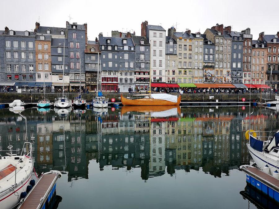 Онфлёр (Honfleur) – один из самых красивых городов Нормандии