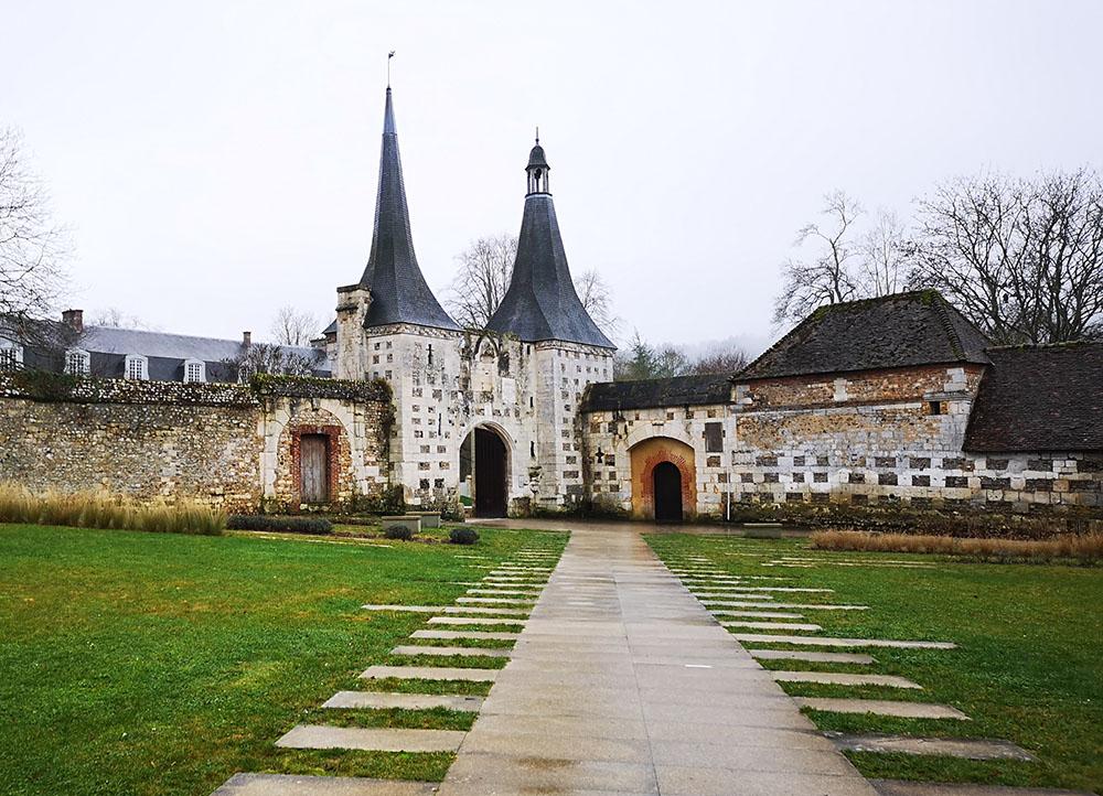 Le Bec-Hellouin. Одна из самых красивых деревень Нормандии.