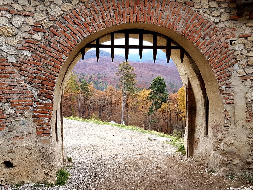 Трансильвания. Старинная крепость Рышнов.