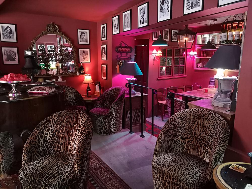Винный бар в городе Рай