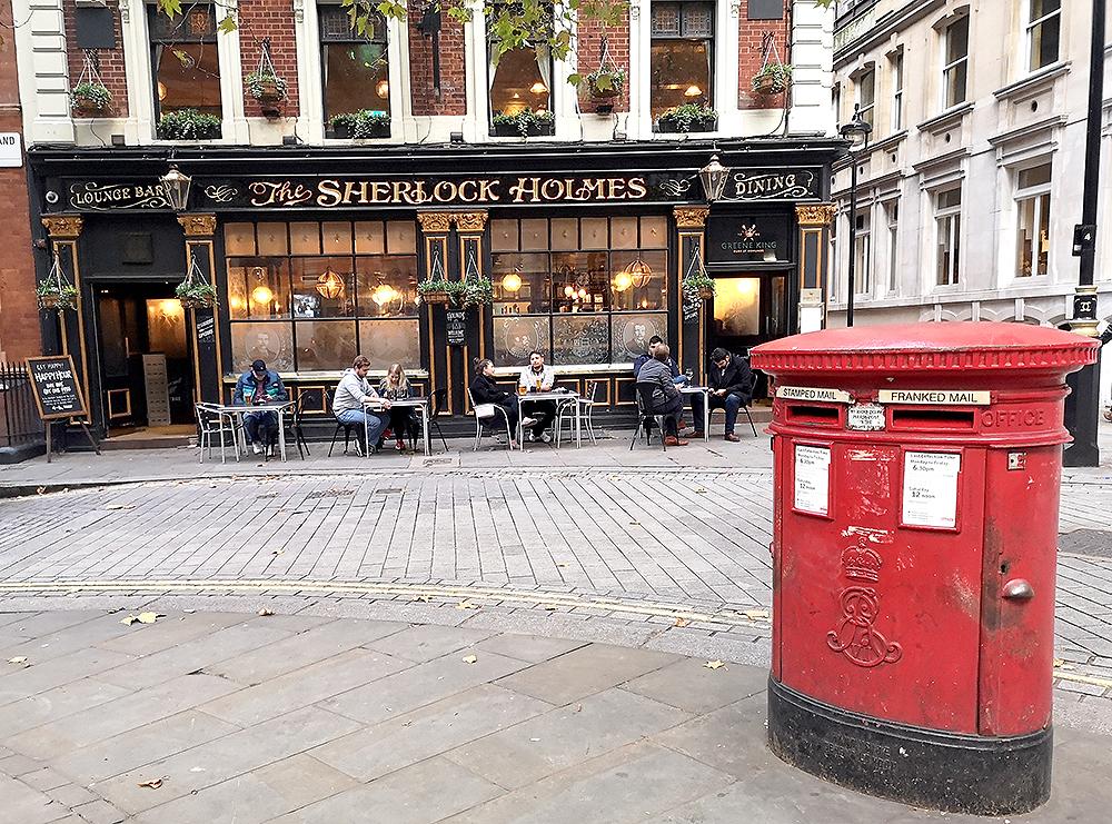 Исторические пабы в Лондоне. «Шерлок Холмс», «Нелл», «Старая белая лошадь» и другие