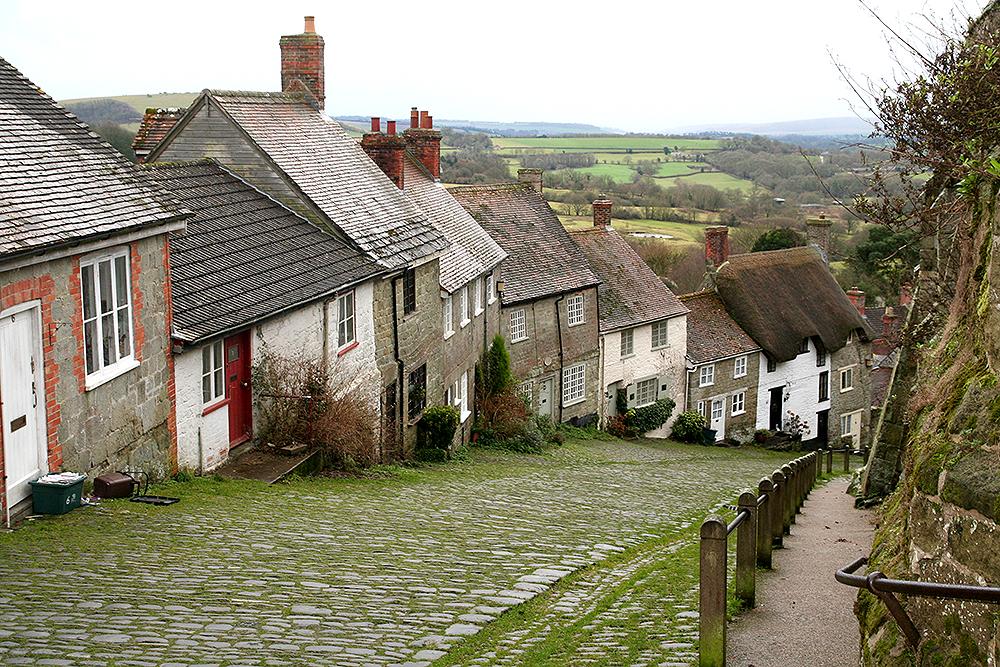 Шафтсбери (Shaftesbury) – маленький и живописный город в графстве Дорсет