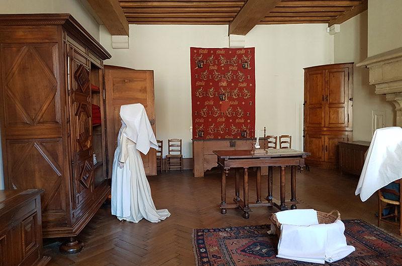 L`Hotel-Dieu. Старейшая богадельня в городе Бон, которую построил канцлер